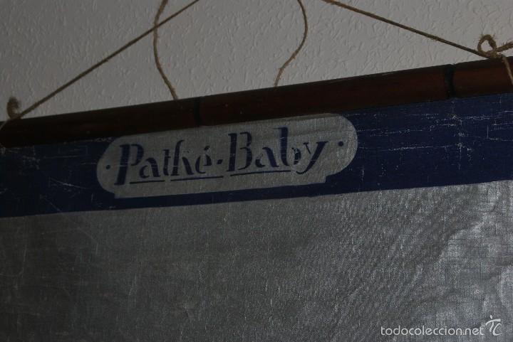 Antigüedades: PANTALLA DE PROYECCIÓN PATHÉ - PROYECTOR PATHÉ-BABY - CINE - AÑOS 20 - Foto 2 - 58711659