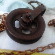 Antigüedades: VIEJA GARRUCHA, ROLDANA, POLEA. EN HIERRO. CON CADENA:. Lote 58761221