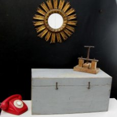 Antigüedades: GRAN CAJA ANTIGUA IDEAL USO DECORACION INDUSTRIAL HERRAMIENTAS O ALMACENAJE. Lote 58968035