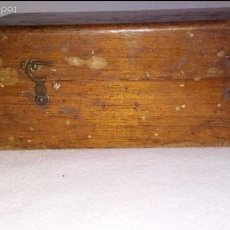 Antigüedades: TACO O CAJA DE MADERA CON PESAS. Lote 58994955