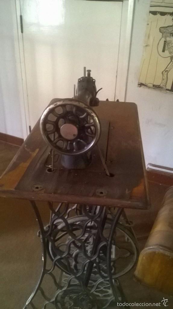 Antigüedades: MÁQUINA DE COSER SINGER AÑO 1919 - Foto 4 - 59540999