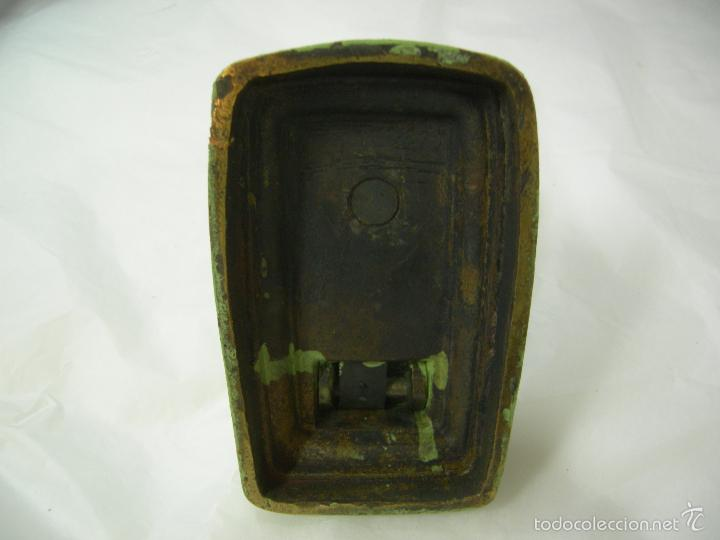 Antigüedades: antigua máquina prensa selladora en seco para facturas, completa de bronce con sus sellos, de pp xx - Foto 6 - 59613171