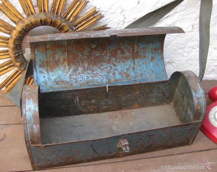 Antigüedades: GRAN CAJA HERRAMIENTAS ANTIGUAS BOLSO TIPO BAUL DE FONTANERO HECO DECORACION INDUSTRIAL O USO - Foto 3 - 59685711