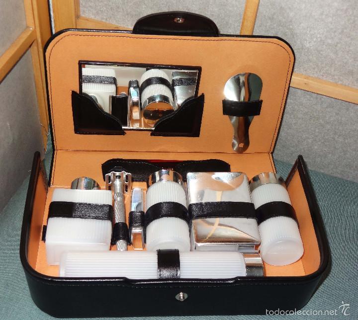 430fa665c Neceser afeitado años 70 SIN USAR - Set de viaje caballero hombre -  Maquinilla, botes, calzador .