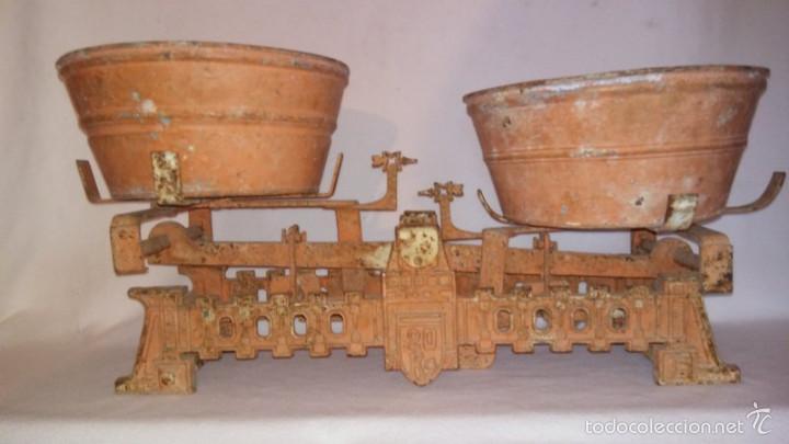 Antigüedades: BALANZA DE PLATOS. 20KG - Foto 4 - 59898723