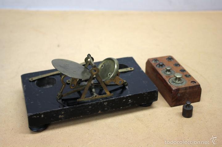 BALANZA ANTIGUA CON PESAS. SIGLO XIX (Antigüedades - Técnicas - Medidas de Peso - Balanzas Antiguas)