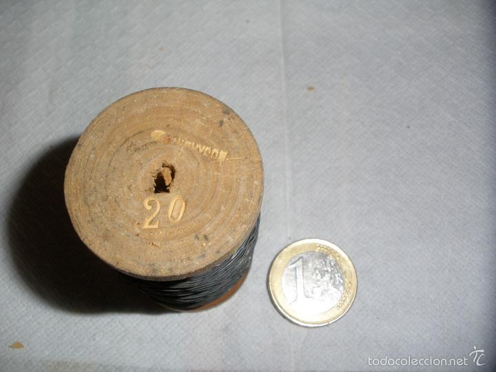 Antigüedades: ANTIGUO ROLLO DE HILO METALICO USADO EN ANTIGUOS FUSIBLES ELECTRICOS - Foto 2 - 59959387