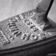 Antigüedades: ANTIGUA PLANCHA DE HIERRO FUNDIDO Nº 7S SCHÜRHOFF. Lote 60121115