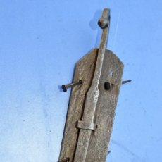 Antigüedades: PESTILLO CON SUS CLAVOS DE FORJA. Lote 60299579