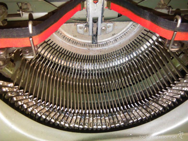 Antigüedades: Máquina de Escribir Antigua Hermes Ambassador. Modelo Mecánico Suizo de 1952. Paillard, Suiza. - Foto 4 - 60355867