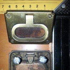 Antigüedades: ANTIGUO TIRADOR DE MUEBLE BARCO MODELO BOGABANTE - METAL - ORIGINAL . Lote 60455391
