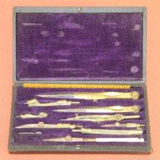Antigüedades: ESTUCHE COMPLETO DE COMPÁS Y TIRALINEAS EN LATÓN. ESPAÑA. SIGLO XIX.. Lote 60492059