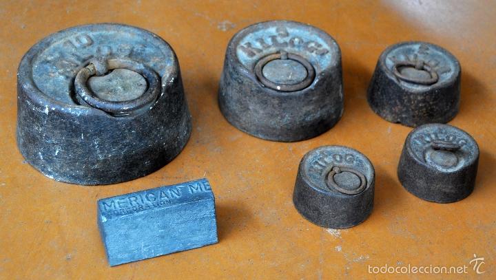 Antigüedades: GIGANTESCA BALANZA EN HIERRO CON VARIOS PESOS. SIGLO XIX - Foto 8 - 60510703
