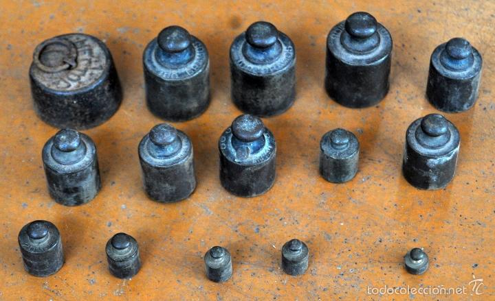 Antigüedades: GIGANTESCA BALANZA EN HIERRO CON VARIOS PESOS. SIGLO XIX - Foto 10 - 60510703