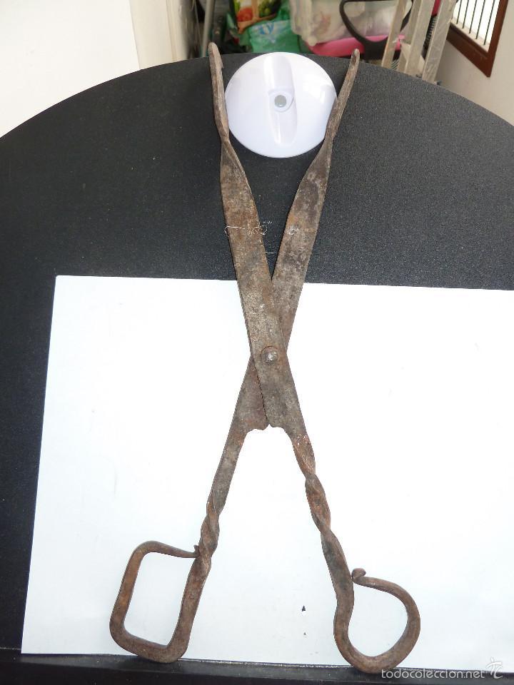 Antigüedades: 2 PINZAS TIPO TIJERAS DE FORJA - Foto 7 - 60619051