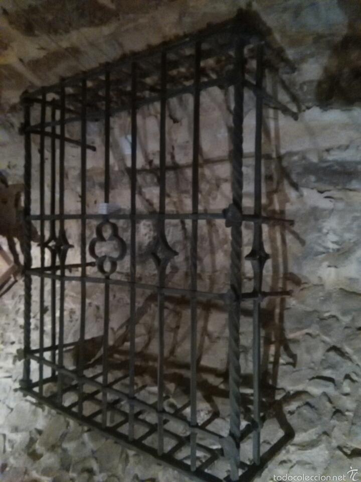 REJA SIGLO XVI DE FORJA (Antigüedades - Técnicas - Cerrajería y Forja - Forjas Antiguas)