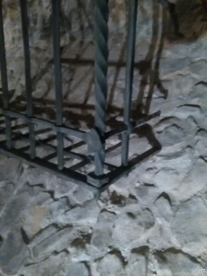 Antigüedades: Reja siglo XVI de forja - Foto 2 - 60649482