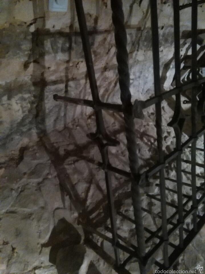 Antigüedades: Reja siglo XVI de forja - Foto 4 - 60649482