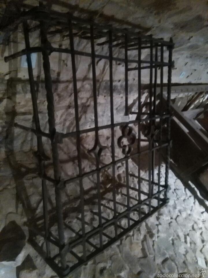 Antigüedades: Reja siglo XVI de forja - Foto 5 - 60649482