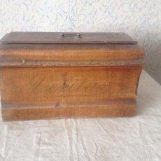 Antigüedades: CAJA MADERA MÁQUINA COSER VERITAS. Lote 60672527