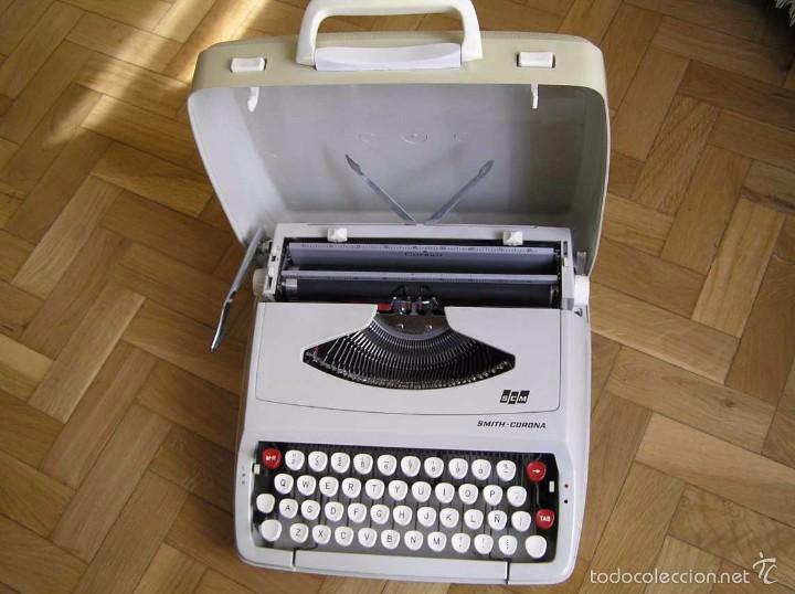 MAQUINA DE ESCRIBIR SMITH CORONA CON SU MALETIN - TYPEWRITER (Antigüedades - Técnicas - Máquinas de Escribir Antiguas - Smith)