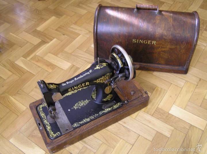 Antigüedades: MAQUINA DE COSER SINGER 28K DE MANIVELA - PORTATIL - CON SU TAPA - Foto 4 - 60987231