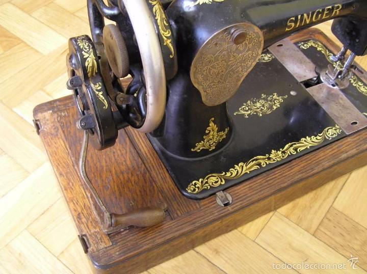 Antigüedades: MAQUINA DE COSER SINGER 28K DE MANIVELA - PORTATIL - CON SU TAPA - Foto 10 - 60987231