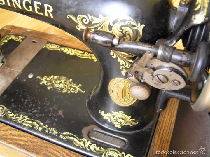 Antigüedades: MAQUINA DE COSER SINGER 28K DE MANIVELA - PORTATIL - CON SU TAPA - Foto 23 - 60987231