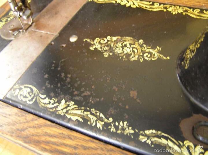 Antigüedades: MAQUINA DE COSER SINGER 28K DE MANIVELA - PORTATIL - CON SU TAPA - Foto 39 - 60987231