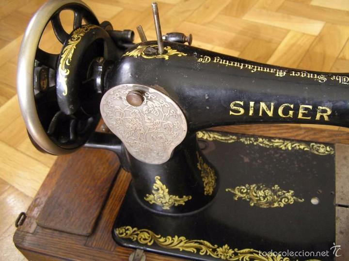 Antigüedades: MAQUINA DE COSER SINGER 28K DE MANIVELA - PORTATIL - CON SU TAPA - Foto 50 - 60987231