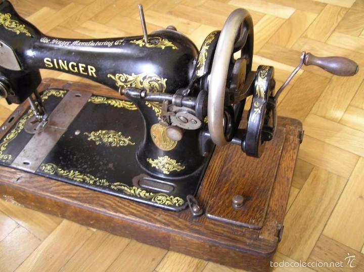 Antigüedades: MAQUINA DE COSER SINGER 28K DE MANIVELA - PORTATIL - CON SU TAPA - Foto 59 - 60987231