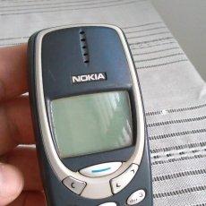 Teléfonos: TELÉFONO MÓVIL NOKIA 3310 PARA PIEZAS DE RESPUESTO DEL AÑO 2000. AMENA. GRIS, ANTIGUO.. Lote 85353372