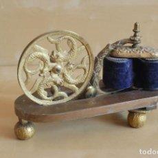 Antiques: INTERESANTE MÁQUINA DE ELECTROTERAPIA. SIGLO XIX. ELECTRICIDAD. MEDICINA. Lote 61507363