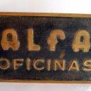 Antigüedades: PLACA DE BRONCE ALFA OFICINAS CARTEL UNICO OFICINAS DE FABRICA EIBAR GUIPUZCOA AÑOS 50. Lote 61763924