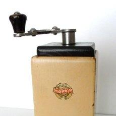 Antigüedades: ANTIGUO MOLINILLO DE CAFÉ, DE VIAJE, MARCA LEINBROCK, MODELO 630, CIRCA 1930. Lote 61766344