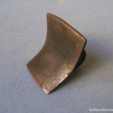 Antigüedades: HERRAMIENTA DE HIERRO PARA FORJA O ESCAYOLA (4,5X4X4CM APROX). Lote 62072992