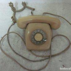 Teléfonos: ANTIGUO TELEFONO DE SOBREMESA, ESPAÑOL, COLOR CREMA MARRON CLARO.. Lote 62470808