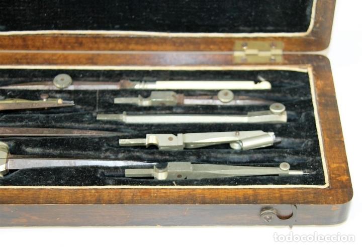 Antigüedades: ESTUCHE COMPLETO DE COMPÁS Y TIRALINEAS EN METAL. ESPAÑA. SIGLO XIX. - Foto 4 - 62605472