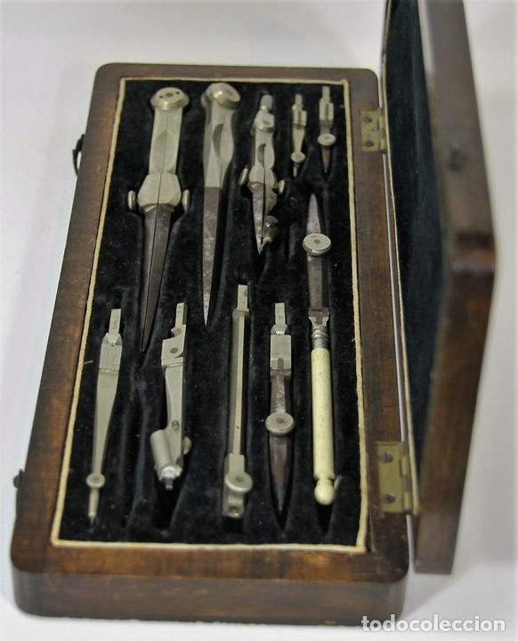 Antigüedades: ESTUCHE COMPLETO DE COMPÁS Y TIRALINEAS EN METAL. ESPAÑA. SIGLO XIX. - Foto 6 - 62605472