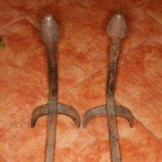 Antigüedades: 2 MORILLES PARA CHIMENEA FRAGUA FUELLE AÑOS 30/40 FORJA MANUAL UNICOS COMO NUEVOS VER DETALLES. Lote 62694304