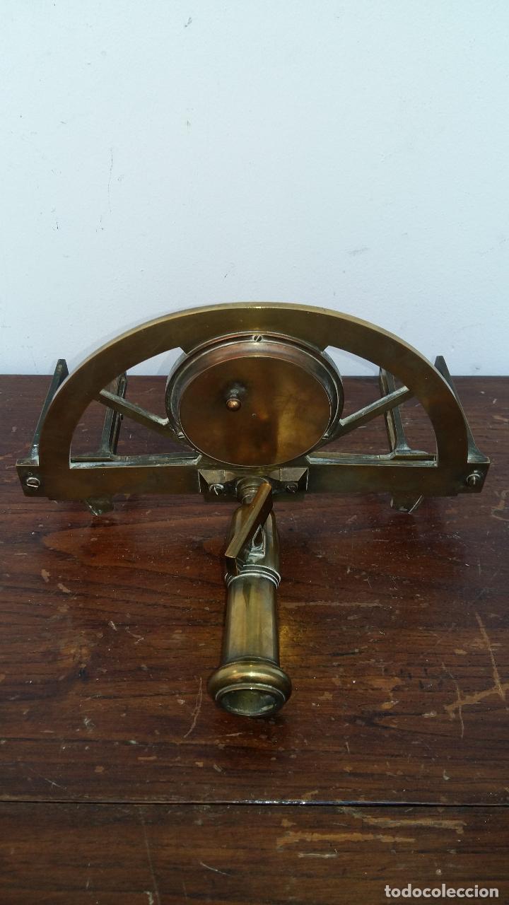 GRAFOMETRO ANTIGUO CON VARA DE MADERA, VER ULTIMAS FOTOS. (Antigüedades - Técnicas - Otros Instrumentos Ópticos Antiguos)