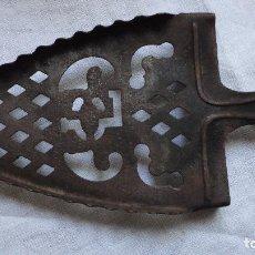 Antigüedades: ANTIGUA BASE PARA PLANCHAS PUBLICITARIA.HIERRO.AÑOS 20.. Lote 62781712