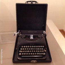 Máquina de escribir Remington Rand