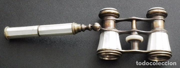 Antigüedades: BINOCULAR CON MANGO EXTENSIBLE PARA TEATRO U ÓPERA. LATÓN Y NÁCAR, DE PRINCIPIOS S. XIX - Foto 5 - 62998560
