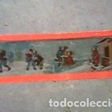 Antigüedades: CRISTAL PINTADO DE LINTERNA MÁGICA SIGLO XIX -11 POR 2,90 CM- LA VIDA EN LA NIEVE 1. Lote 63024296