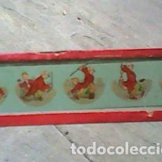 Antigüedades: CRISTAL PINTADO LINTERNA MÁGICA SIGLO XIX - 13 POR 3,50 CM- EL CASTIGADOR CASTIGADO - SECUENCIAS. Lote 63024980