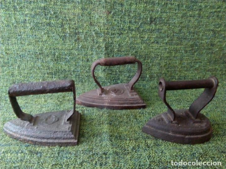 Antigüedades: LOTE DE TRES PLANCHAS - Foto 3 - 63270252
