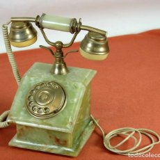 Teléfonos: TELEFONO DE SOBREMESA EN MÁRMOL ÓNIX VERDE. ESPAÑA. CIRCA 1970.. Lote 63527664