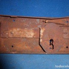 Antigüedades: ANTIGUA CERRADURA DE HIERRO . Lote 63670547