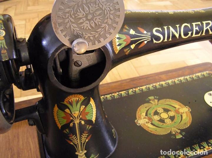Antigüedades: MAQUINA DE COSER SINGER 66K DE MANIVELA - PORTATIL - CON SU TAPA TIPO COFRE - Foto 59 - 63726895